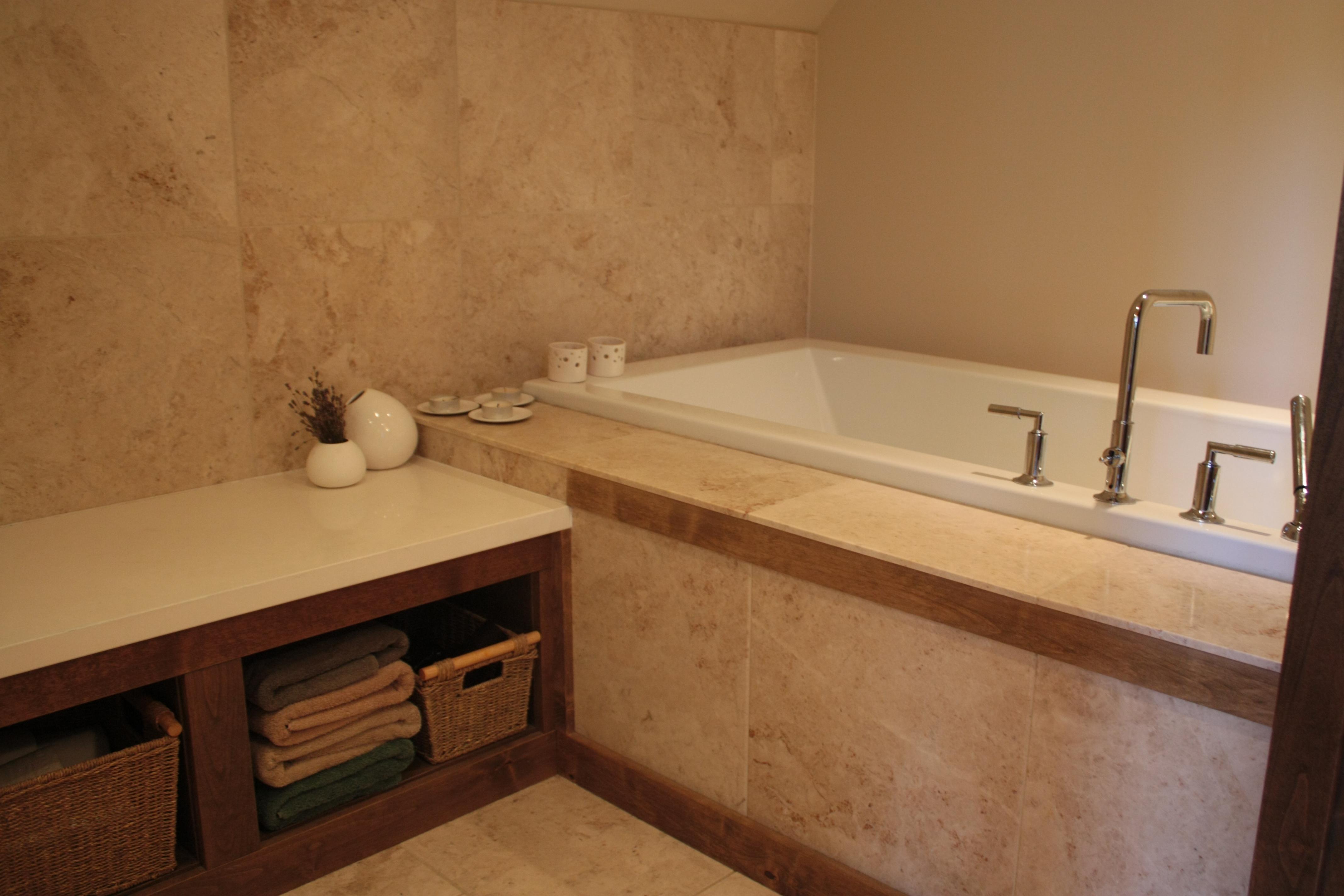 Luxury log home on Alta Lake, private hot tub, 4 bed, 3 bath ...