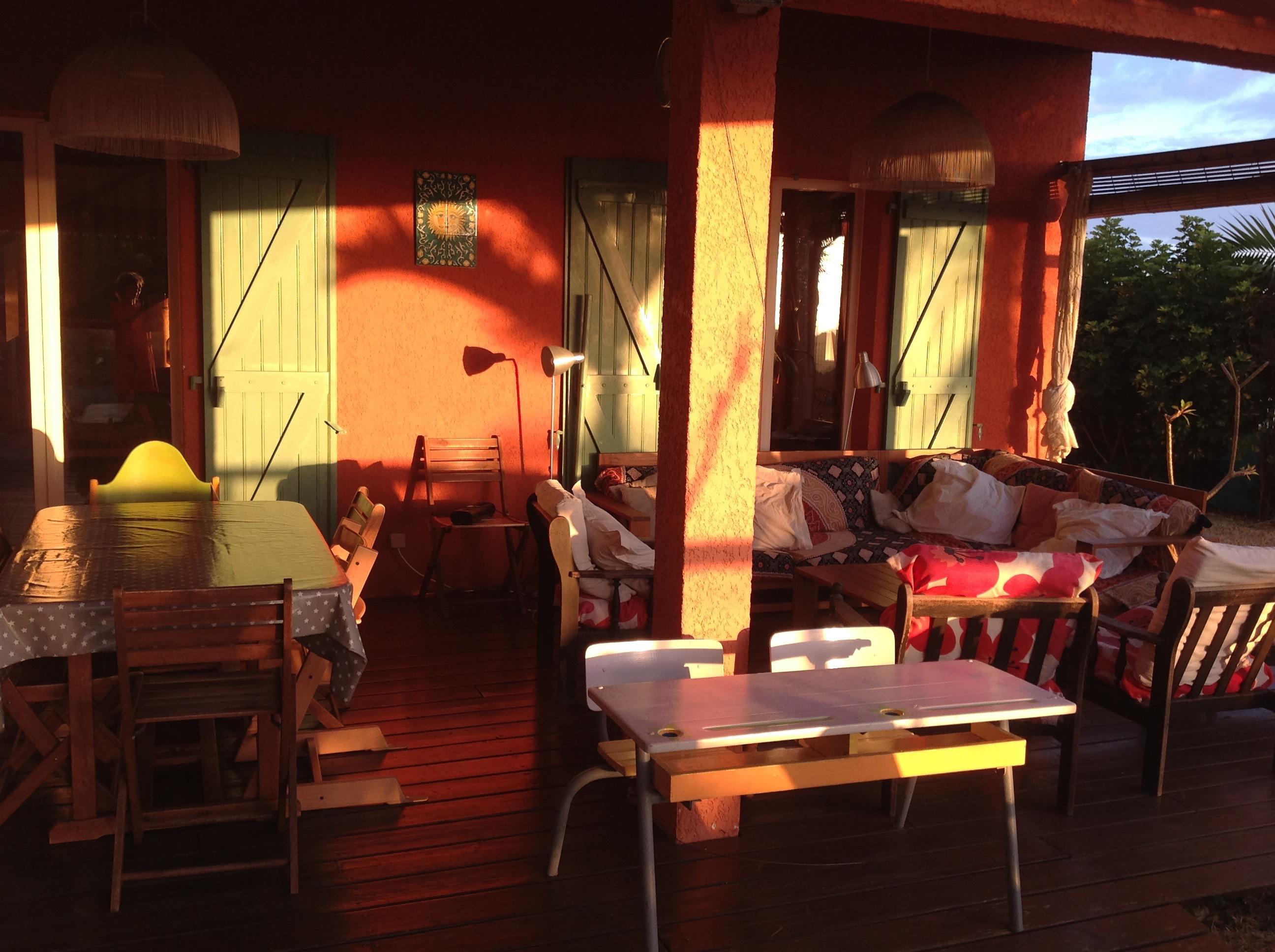 Grande villa vue mer dans jardin tropical sur l\'île de la Réunion ...