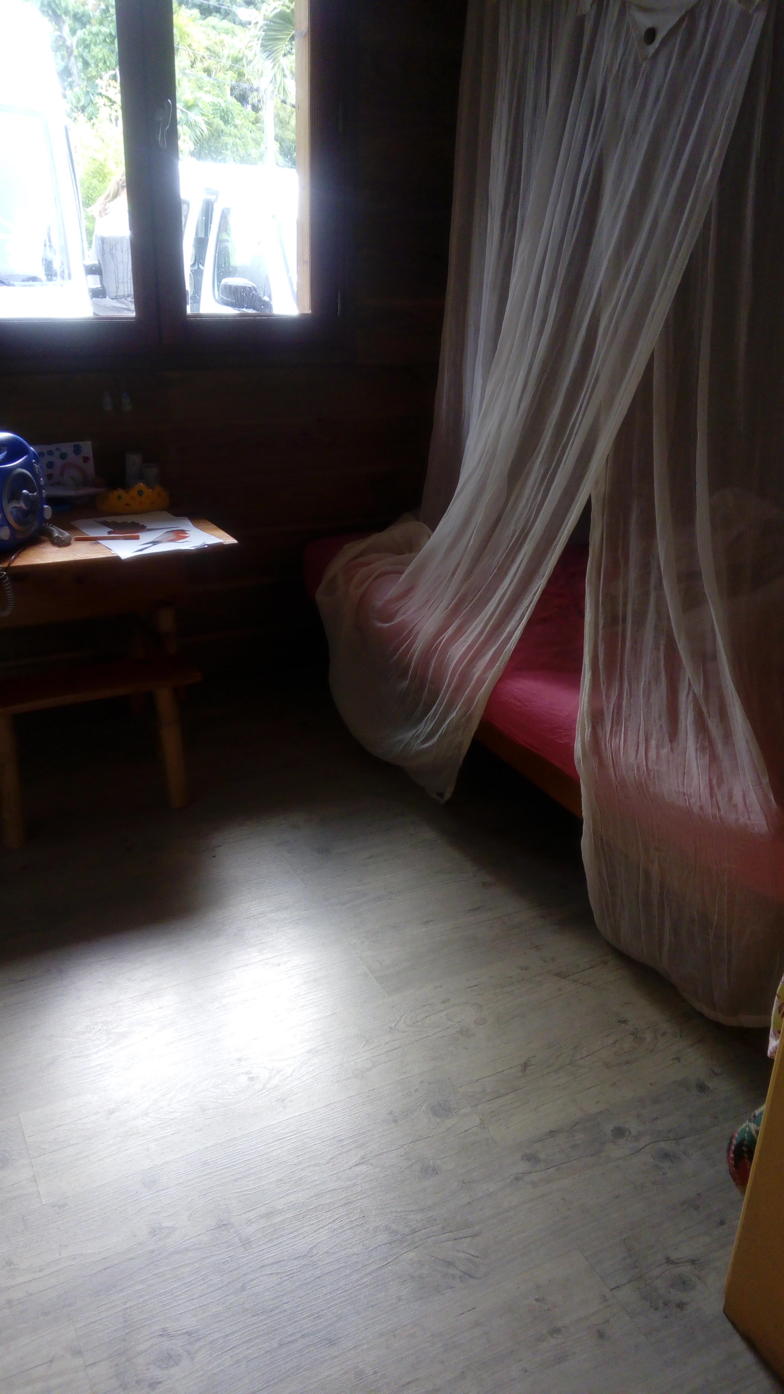 Maison Avec Grande Terrasse En Guadeloupe Boligbytte - Lit cabane mobil wood