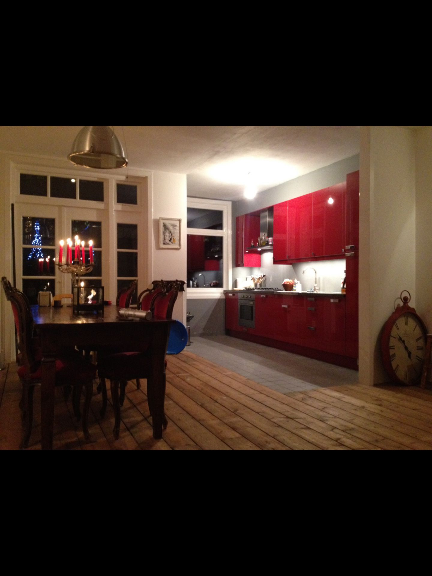Spacious Living Room With Kitchen ...