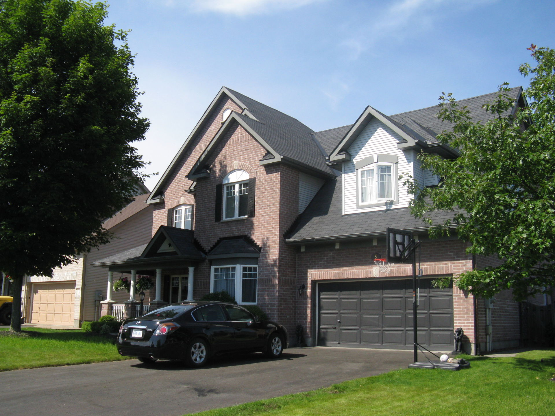 Ottawa Canada- Large home with Pool, Hot tub and Gazebo - Home Exchange