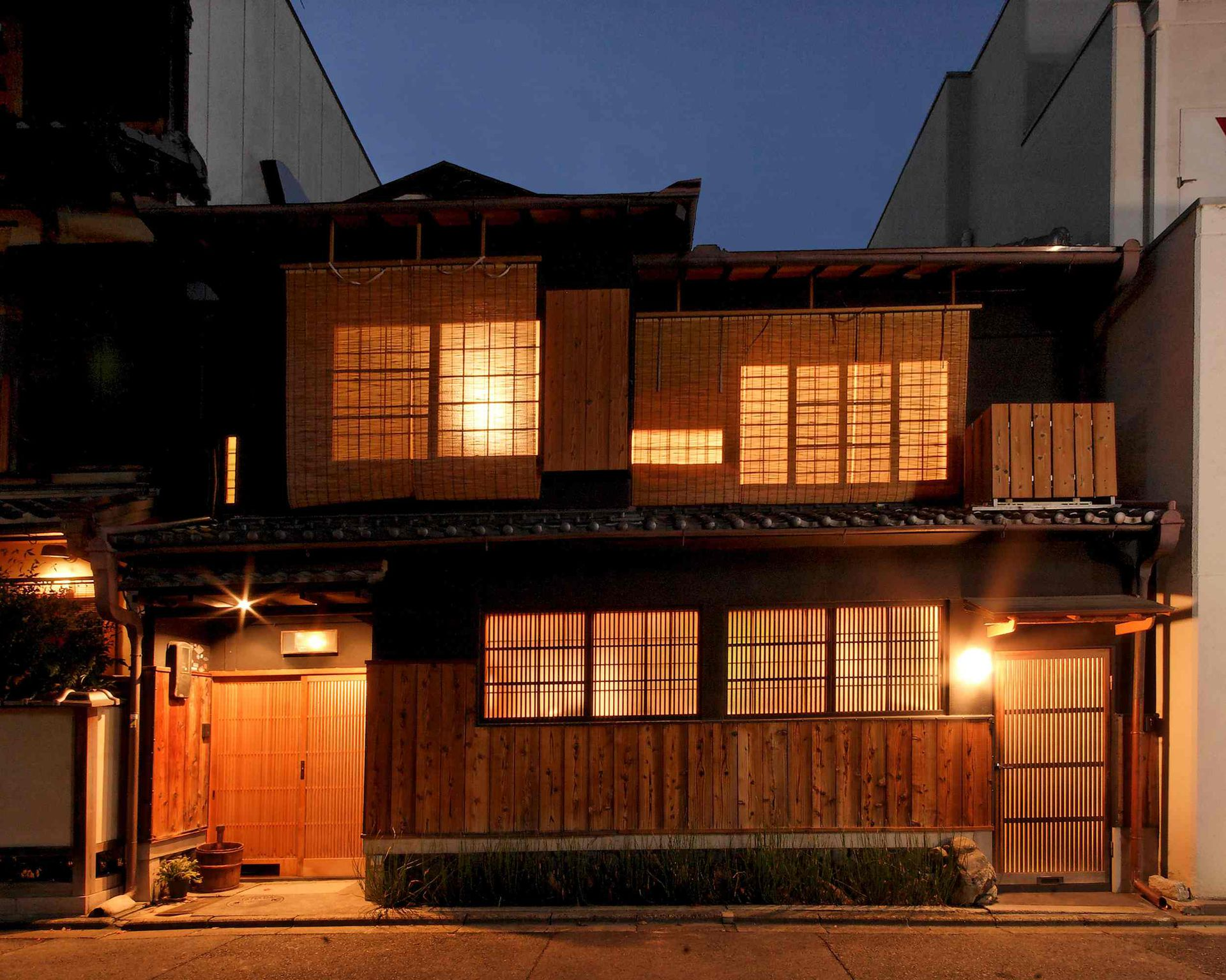 Traditional Japanese House in historic Kyoto Japan & Traditional Japanese House in historic Kyoto Japan - Home Exchange