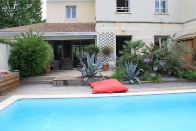 Maison moderne avec piscine pour 10 personnes à Bordeaux - Home Exchange