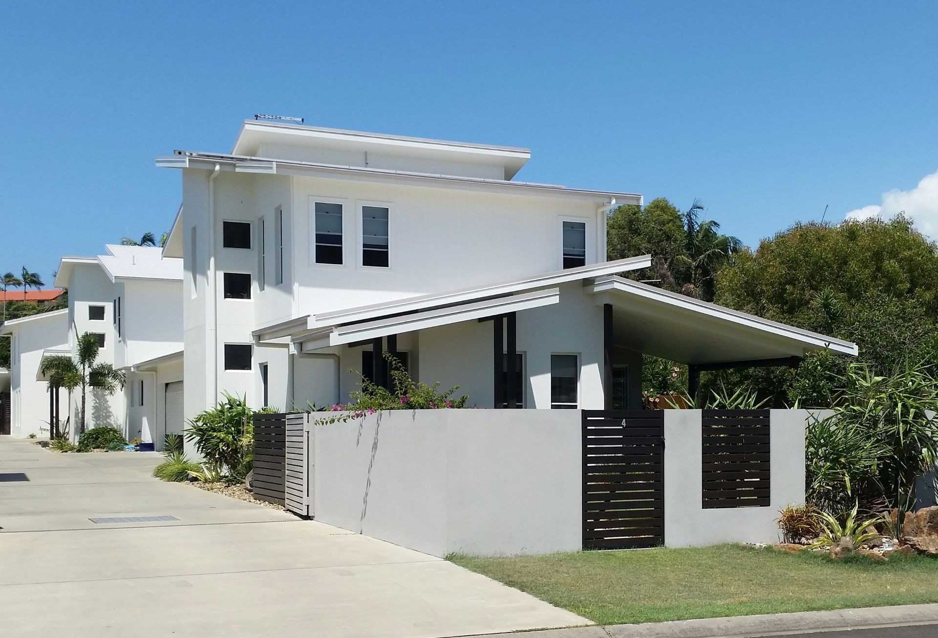 Byron Bay nearby New beach-side townhouse, Sun, Surf, Swimming ...