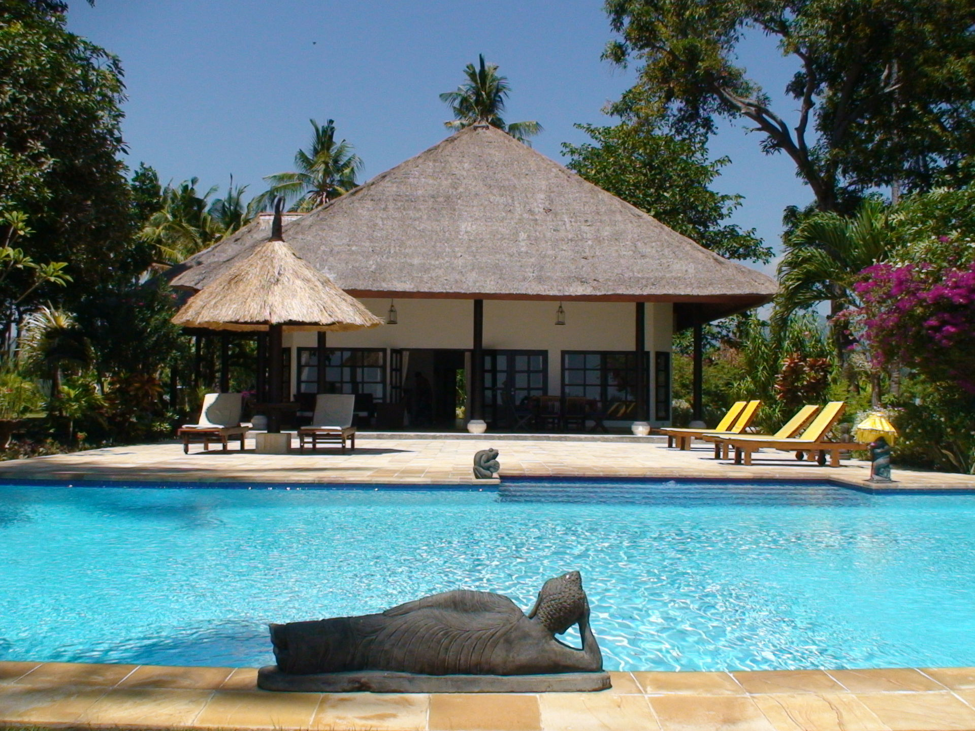 Lovely beachfront villa in bali closed for june oct home exchange welcome to villa mangga thecheapjerseys Gallery