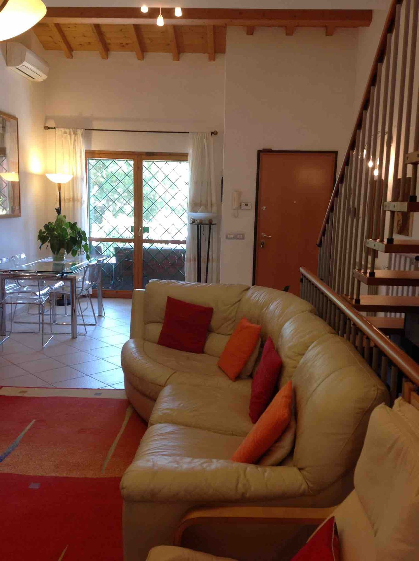 House on 3 floors w/ garden, 30 min from city centre LOOKING FOR NYC ...