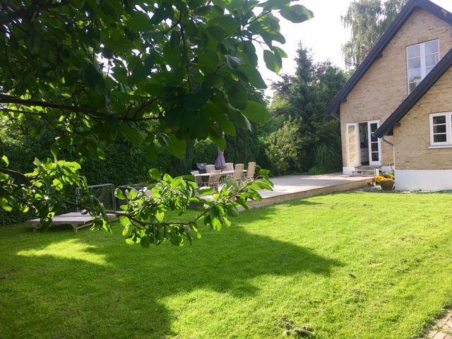 Large modernized house with sunny garden close to Copenhagen center ...