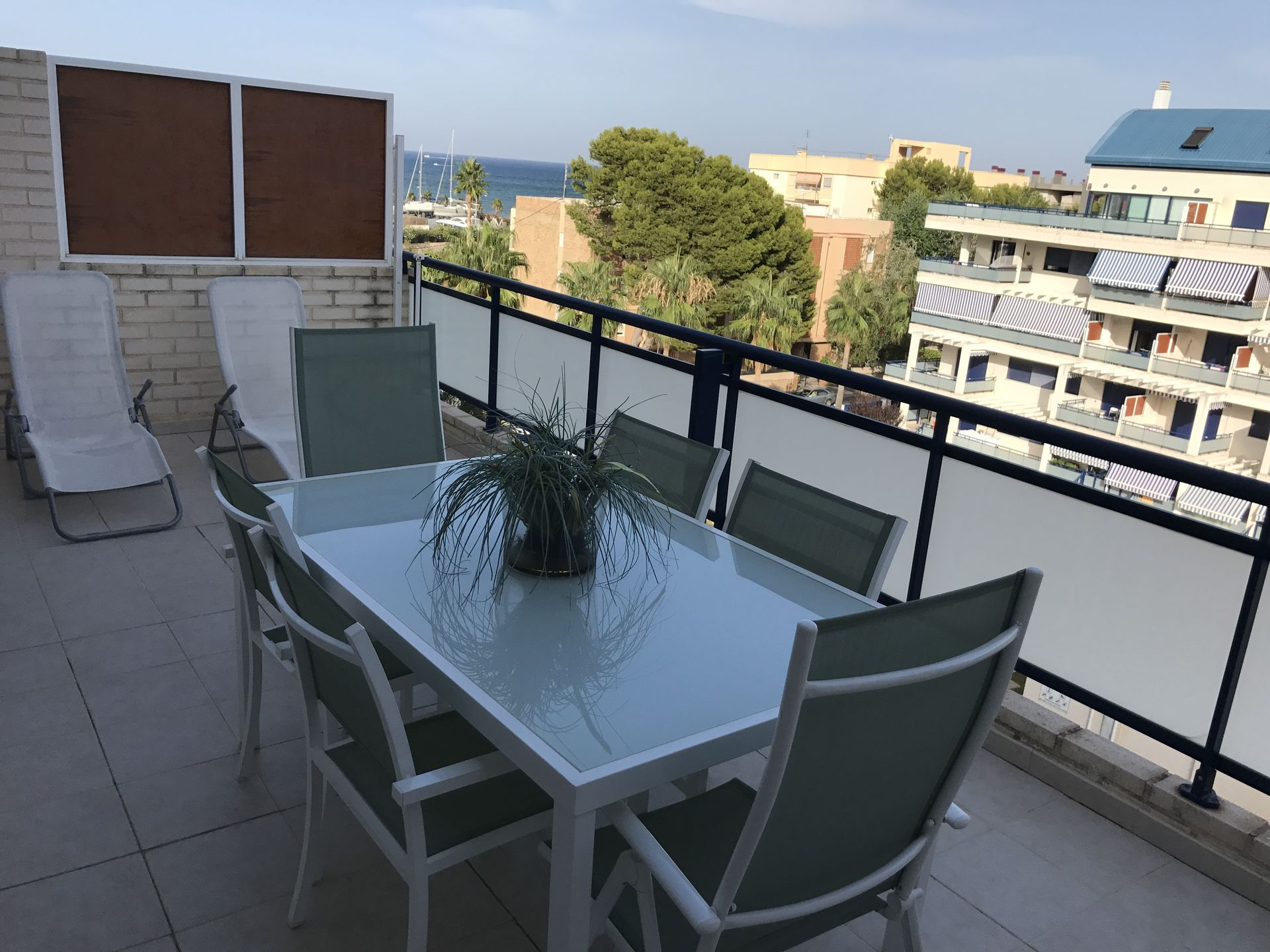Denia (Alicante) Seaside 4 bdr. apartment. Booked for summer 2018 ...