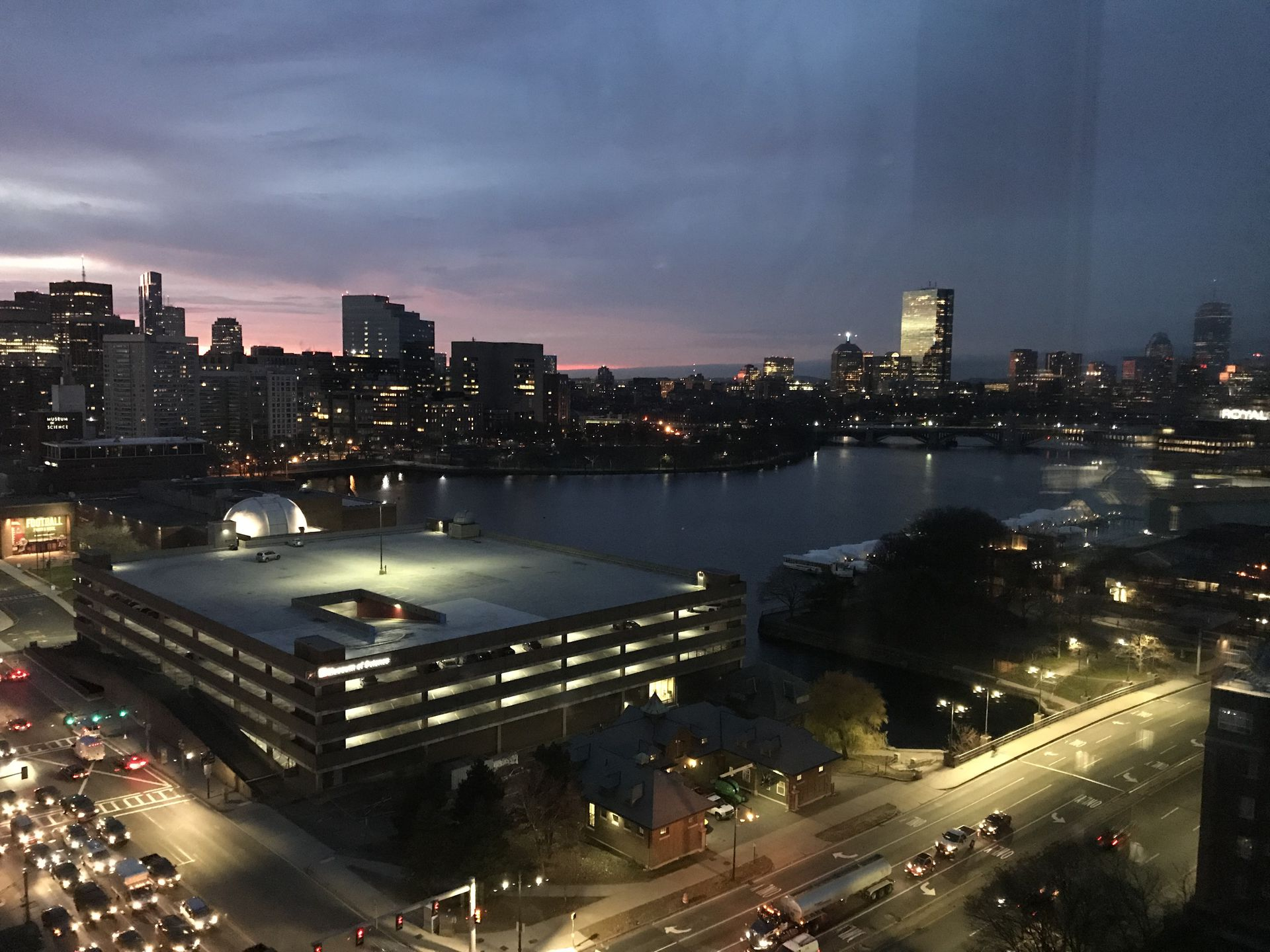 1 Bedroom Apartment With Gorgeous View Of Charles River And Boston   Home  Exchange