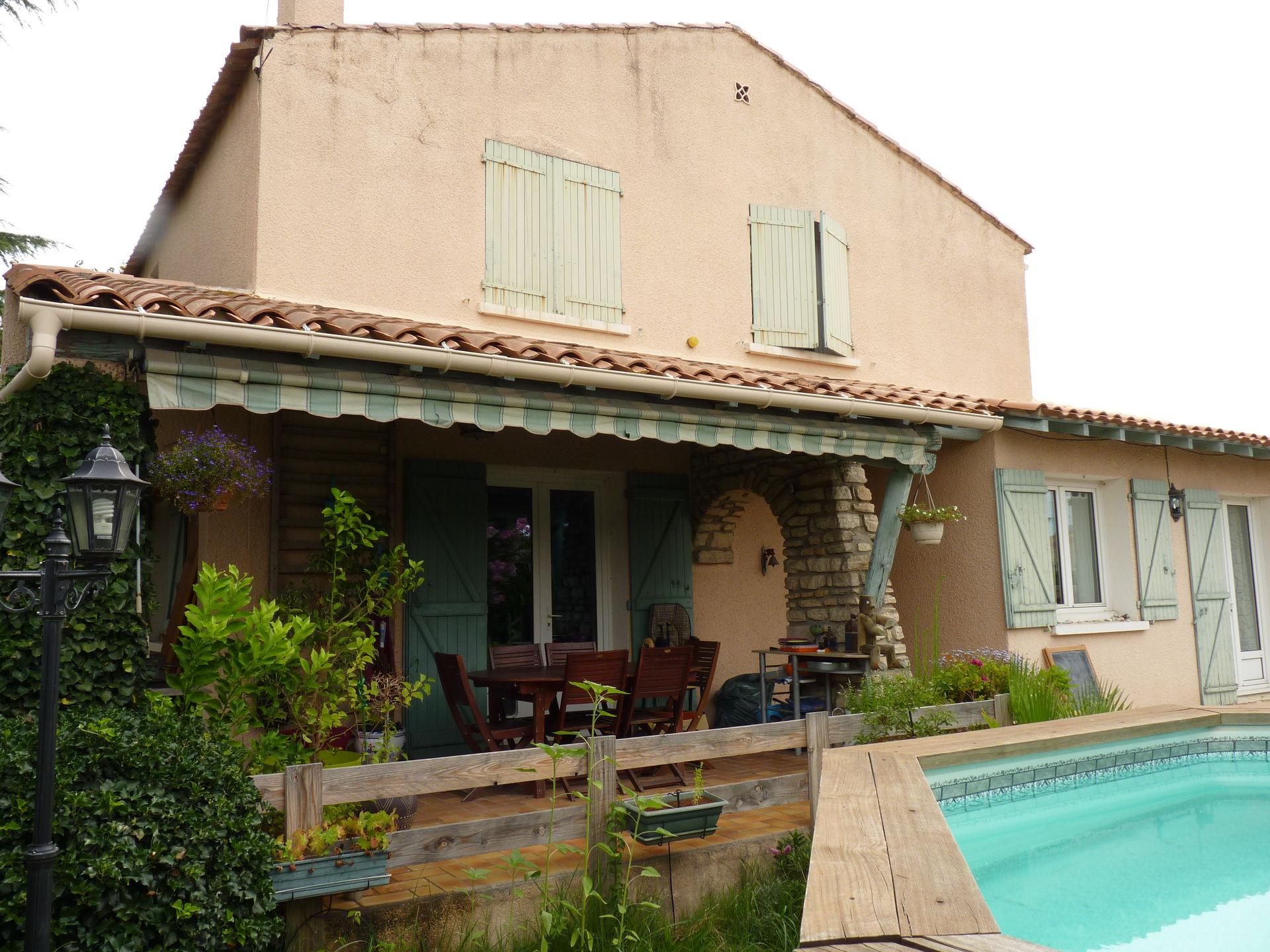 A 10 min de Nîmes, grande maison avec jardin et piscine. - Boligbytte