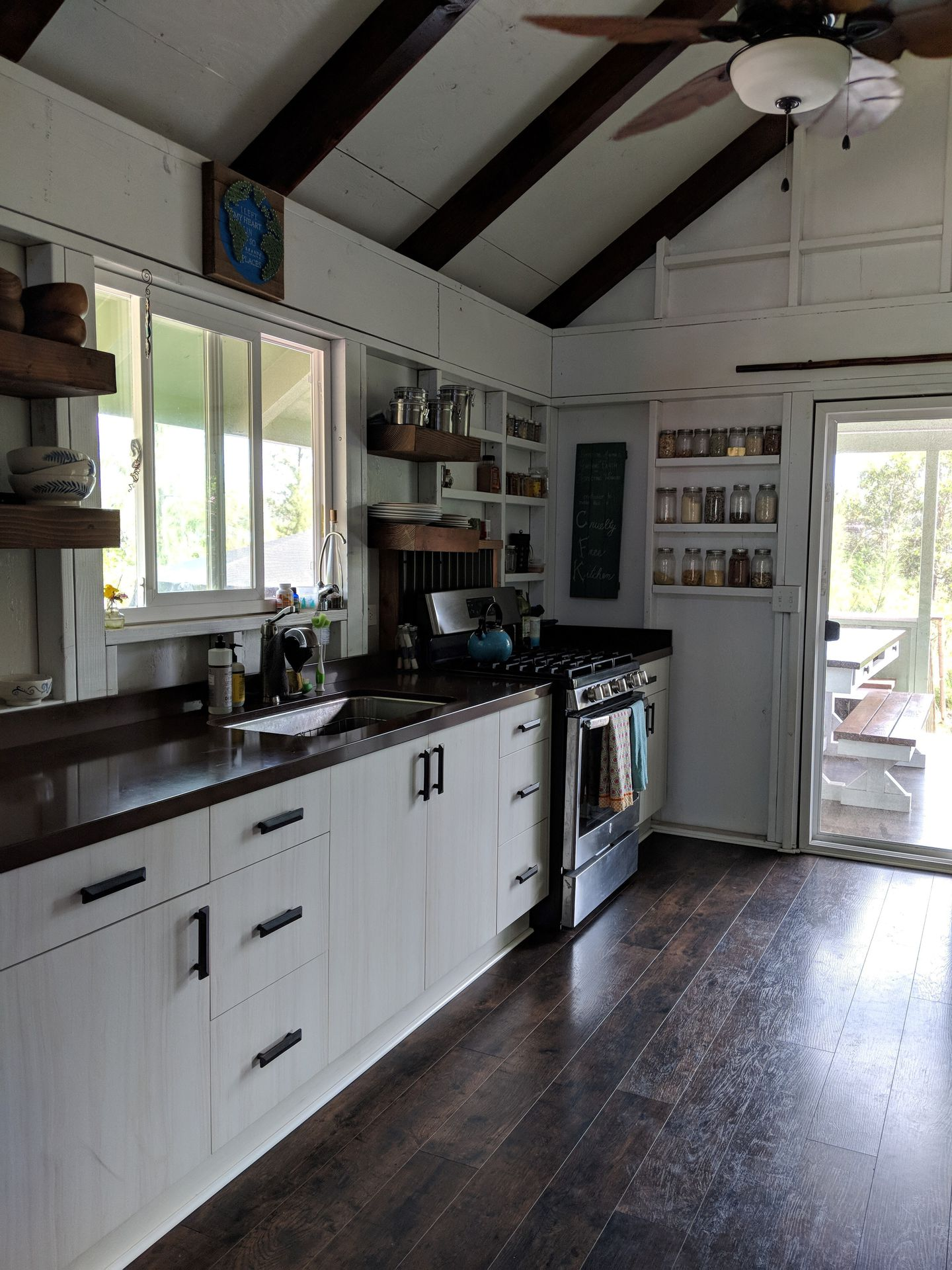 3 bedroom home spacious kitchen - 3 Bedroom Tiny House