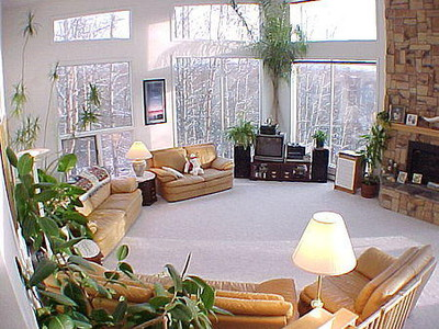 Unique Multi-Story 4 bedroom Home (Former B & B) with Panoramic Mountain View from Floor to Ceiling Windows - just 6 miles from Downtown Anchorage! COME SEE ALASKA!