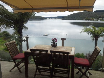 Lake Rotoiti, Rotorua, lake side luxury with beach and boats