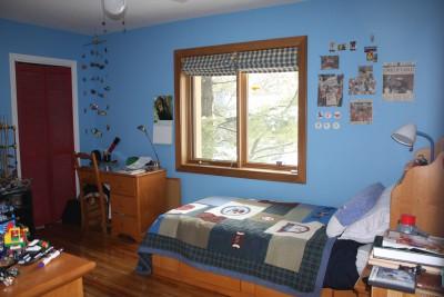 MONTREAL 4 bedroom home in quiet Cedar Park Pointe Claire walk to lake