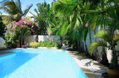 Beautiful villa  with private pool 5 minutes walk to the beach.