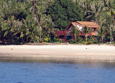 Absolute beachfront this luxurious Thai Villa is just bliss!