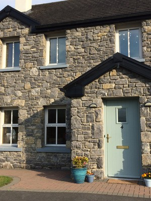 Cosy Kinvara townhouse, by the sea on the Wild Atlantic Way
