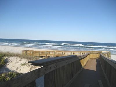 CLOSE  to BEACH+CENTRAL Fla.ATTRACTIONS,private w/spa