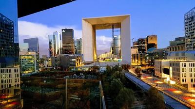 Paris view of Arche de la Défense, Charming & Quiet 3 BDRM Apartement