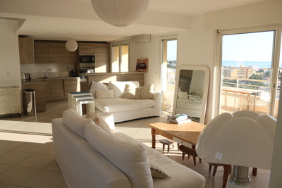 3 bedroom apartment, large terrace with sea view in Corsica, France